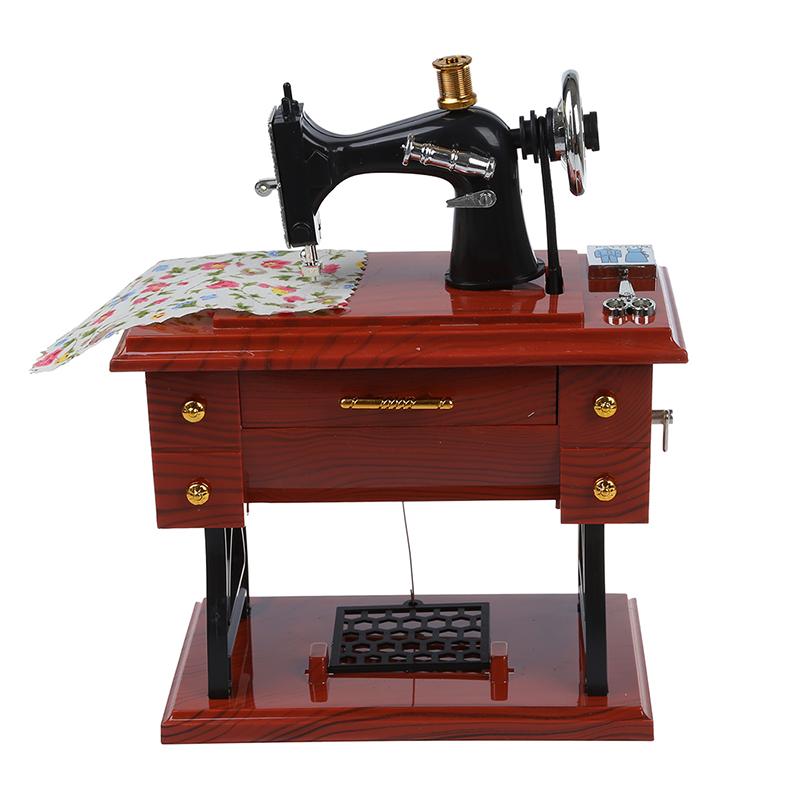 1X Aufzieh- Vintage Mini Naehmaschine Stil Mechanische Spieluhr I2Z4 Musikinstrumente