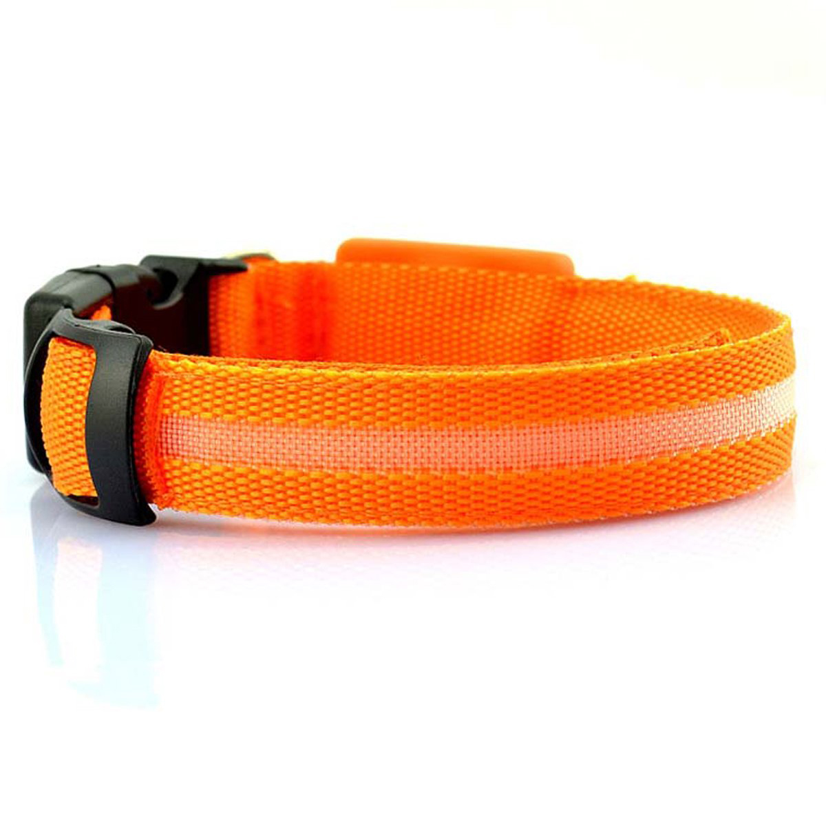 Safety Collar for Dogs, Flashing LED Lights up the Collar  H7S8