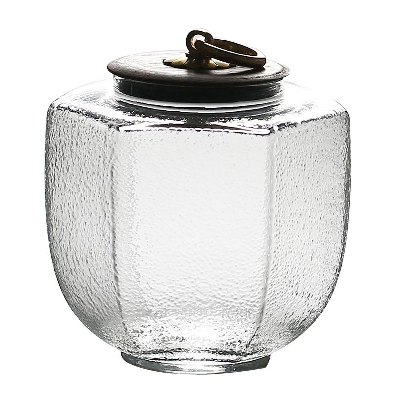 Прозрачная стеклянная банка для хранения чая