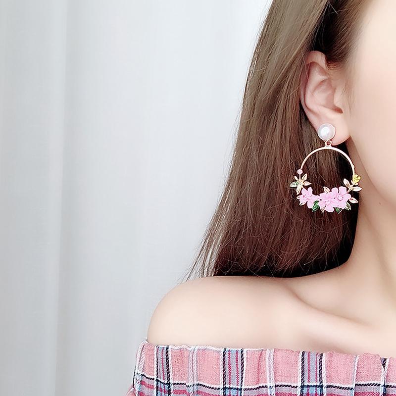 Elegante Grosse Kreis Blumen Tropfen Ohrringe Fuer Frauen Mode Simulierte P Z2B4