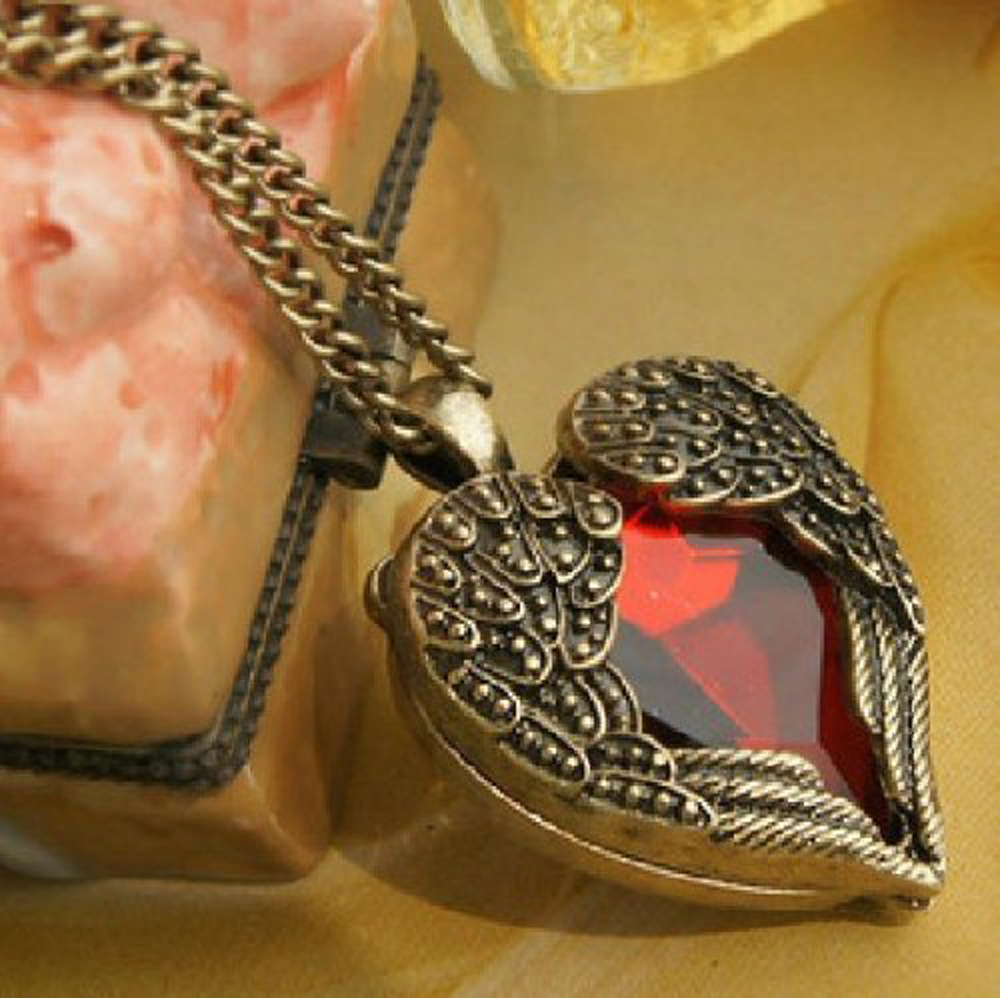 10x(Fashion Vintage Palace Red heart Pendant With Chain L3