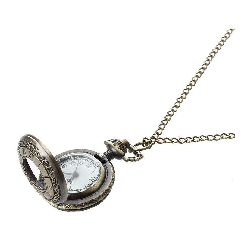 df3bbb5ba157 Colgante Reloj de Cuarzo de Bolsillo Cadena Antiguo Bronce Romano Numeral  Hueco. Diseno de la vendimia con la cubierta hueco y exquisita.