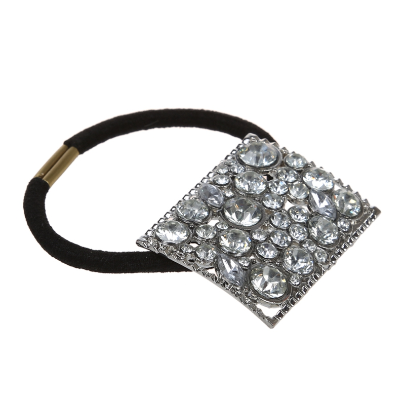 Beautiful and fashionable headband! Catch the latest trend of this year!  The precisely cut crystals add and shine. Material  Metal + rhinestone 1379723b479e