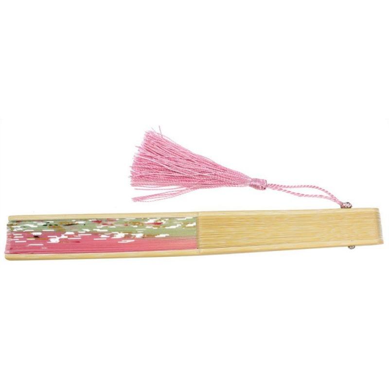 eventail-en-dentelle-en-bambou-O9T8