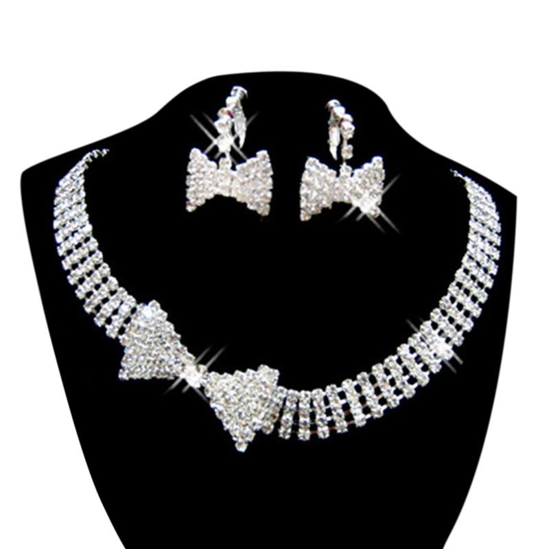 d9f409575a39 Juego de joyas para mujer Aretes collar de diamantes de imitacion de ...