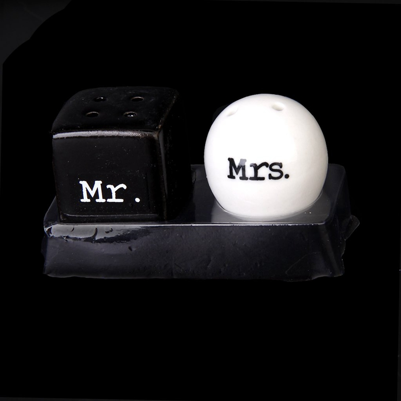 Round-Cube-Ceramic-Mr-and-Mrs-Salt-Pepper-Shakers-Canister-Set-Wedding-Gift-U8C2