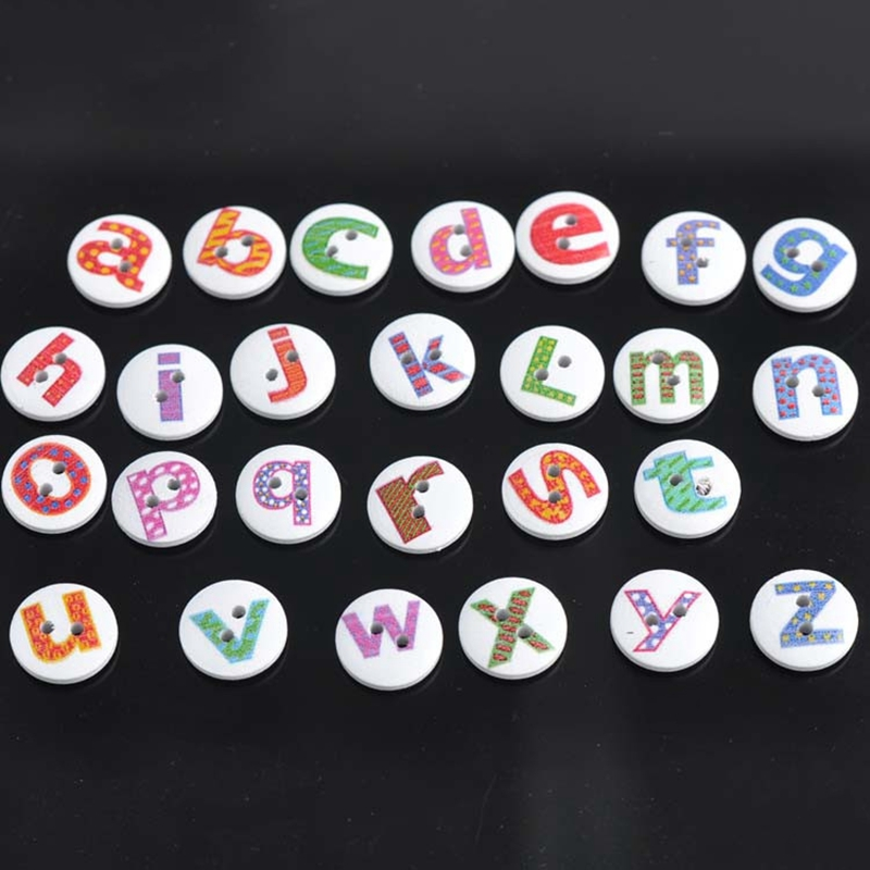 Paquet de 100 Forme ronde Alphabet peint 2 trous Boutons de couture en bois C4Z9