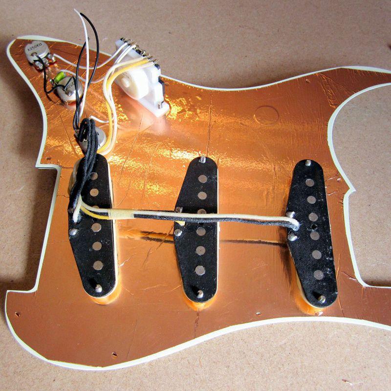 Multi-usages-20-x-30-cm-Auto-adhesif-Guitare-Blindage-en-cuivre-Ruban-adhes-E1L5 miniature 11