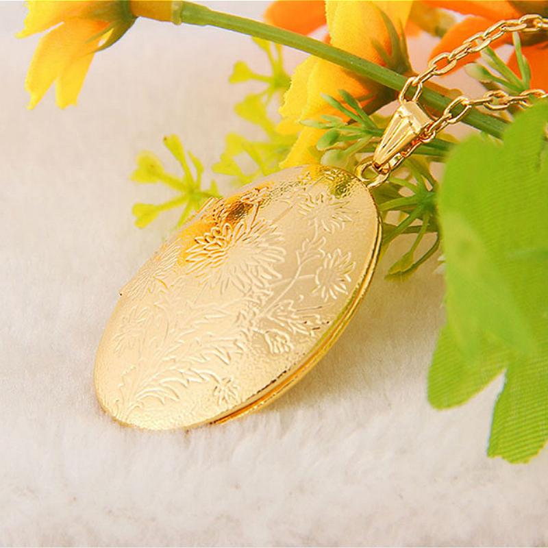 Vintage Chaine et Pendentif Porte Photo Ovale Floral Or Collier L5G8 91