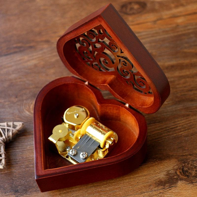 Creative-Heart-Shaped-Vintage-Wood-Carved-Mechanism-Musical-Box-Wind-Up-Mus-V3J8 thumbnail 4