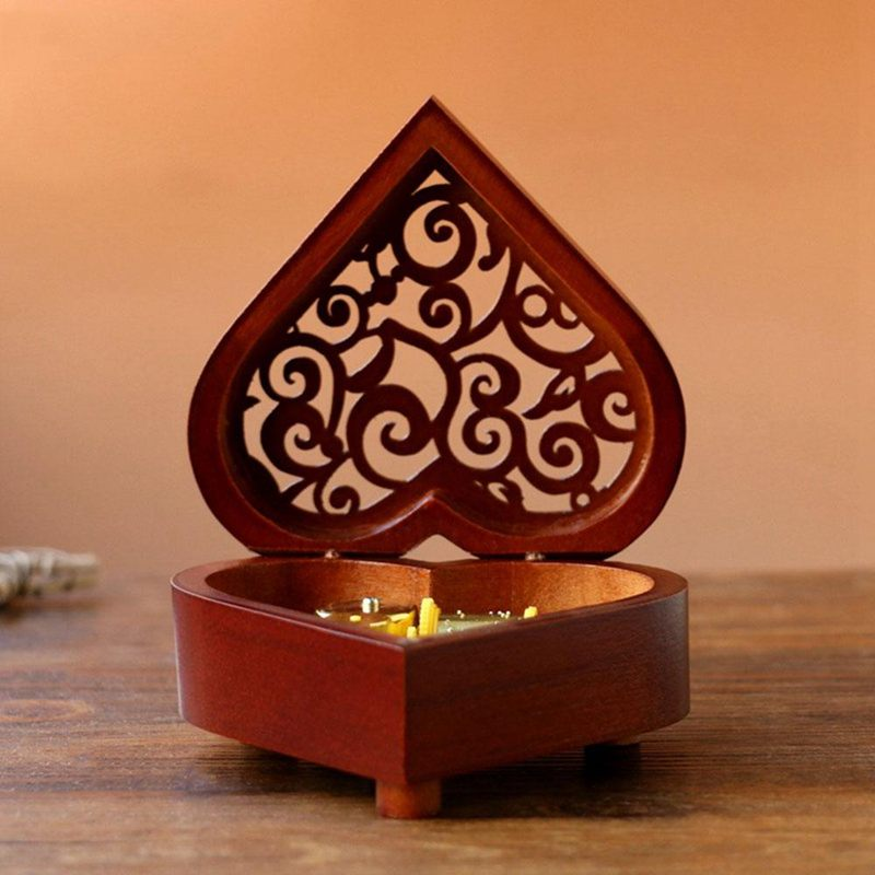 Creative-Heart-Shaped-Vintage-Wood-Carved-Mechanism-Musical-Box-Wind-Up-Mus-V3J8 thumbnail 6