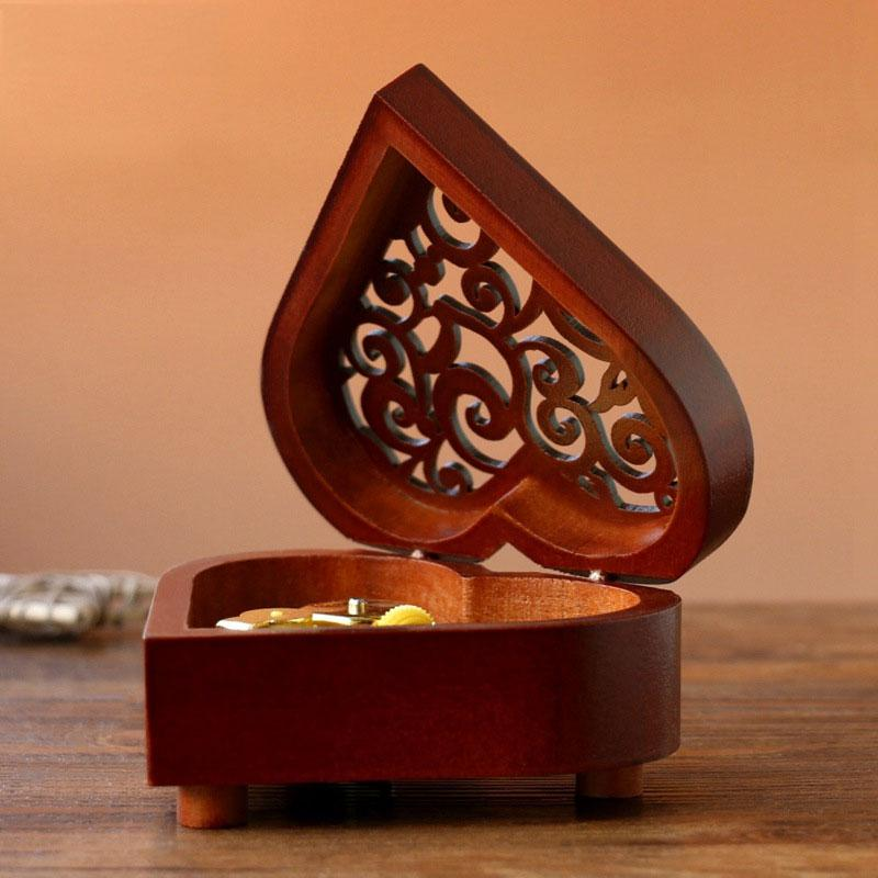 Creative-Heart-Shaped-Vintage-Wood-Carved-Mechanism-Musical-Box-Wind-Up-Mus-V3J8 thumbnail 7