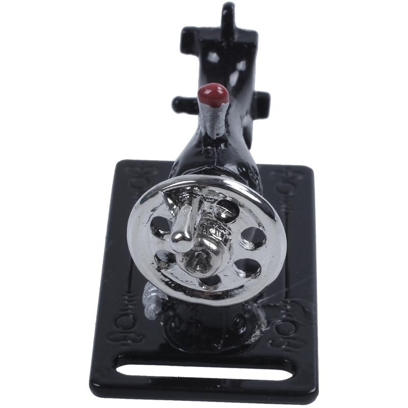 Metall Nähmaschine Puppenhaus Miniaturen Dekoration 1:12 Länge 3.5c  HH