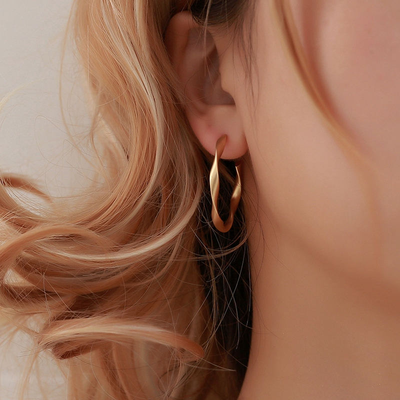 Indexbild 5 - 2X-Mode-Gold-Und-Silber-Ohrringe-Fuer-Frauen-Schmuck-Geschenke-Ohrringe-Mode-S8Z3
