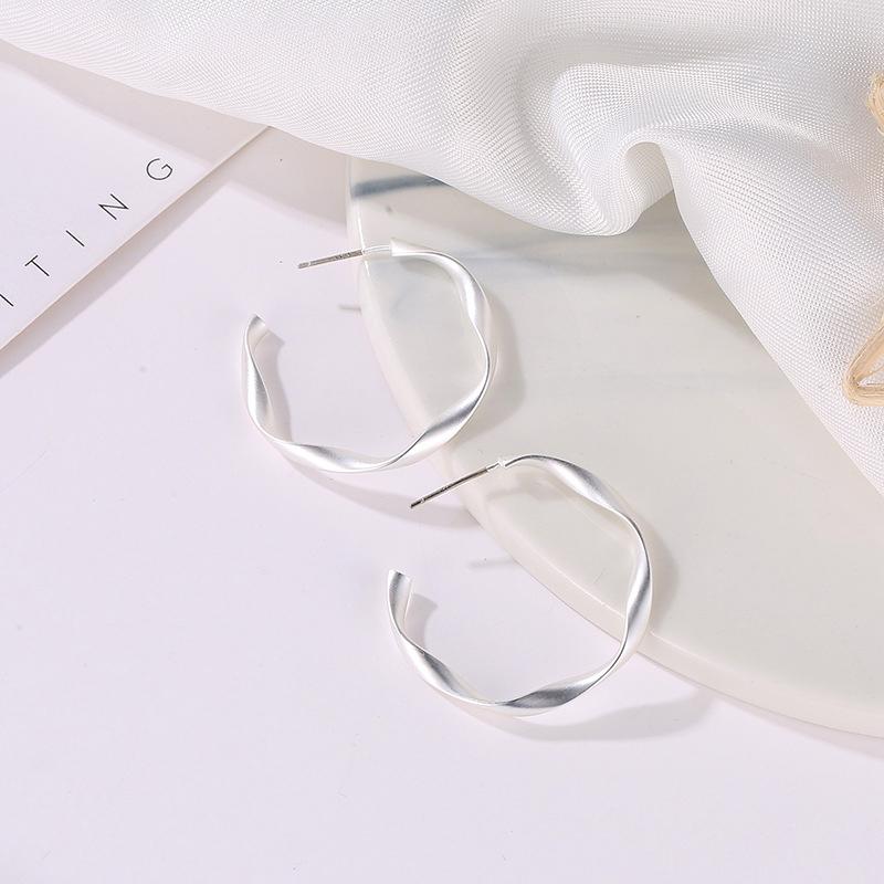 Indexbild 12 - Mode-Gold-Und-Silber-Ohrringe-Fuer-Frauen-Schmuck-Geschenke-Ohrringe-Modesch-P8H3