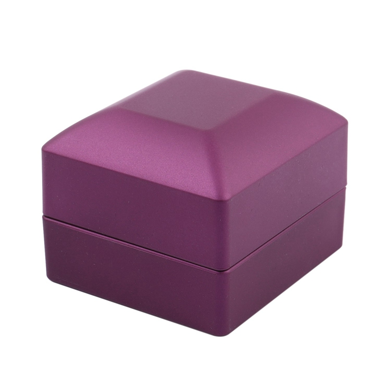 New-LED-Lighted-Ring-Gift-Box-Wedding-Engagement-Ring-Gift-Box-J6U1 thumbnail 5