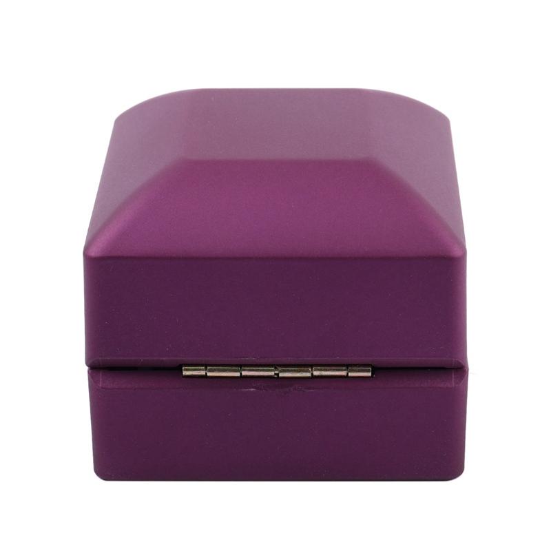 New-LED-Lighted-Ring-Gift-Box-Wedding-Engagement-Ring-Gift-Box-J6U1 thumbnail 6
