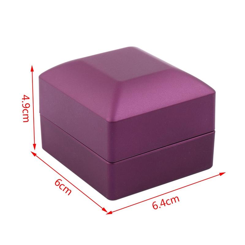 New-LED-Lighted-Ring-Gift-Box-Wedding-Engagement-Ring-Gift-Box-J6U1 thumbnail 10