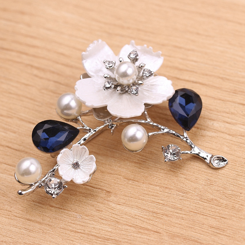 2X-Natural-Shell-Flower-Brooch-Vintage-Blue-Glass-Crystal-Brooch-O9A6 thumbnail 3