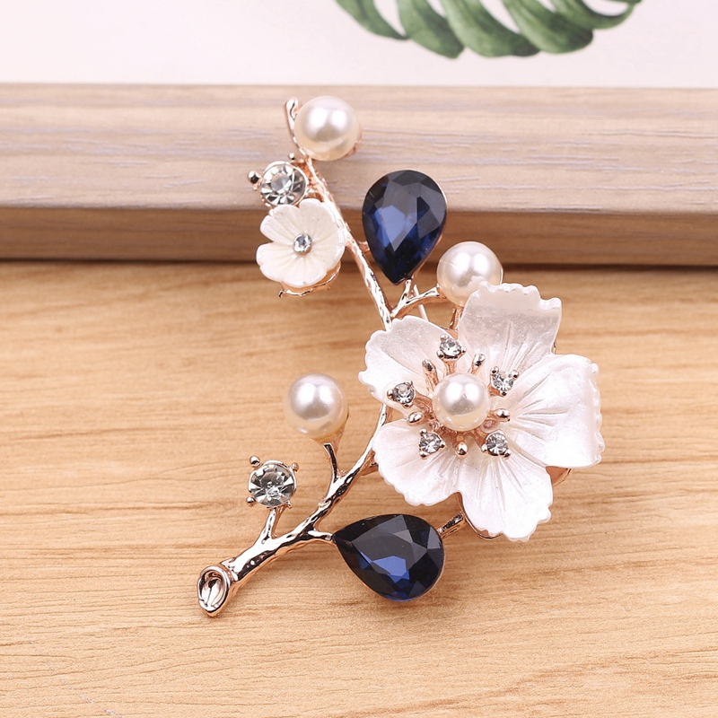 2X-Natural-Shell-Flower-Brooch-Vintage-Blue-Glass-Crystal-Brooch-O9A6 thumbnail 6