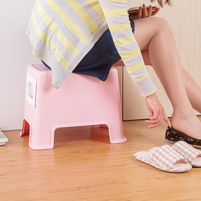Taburete-de-Plastico-Cambiando-Sus-Zapatos-Pequeno-Banco-La-Gente-Puede-Se-Y7G7 miniatura 10