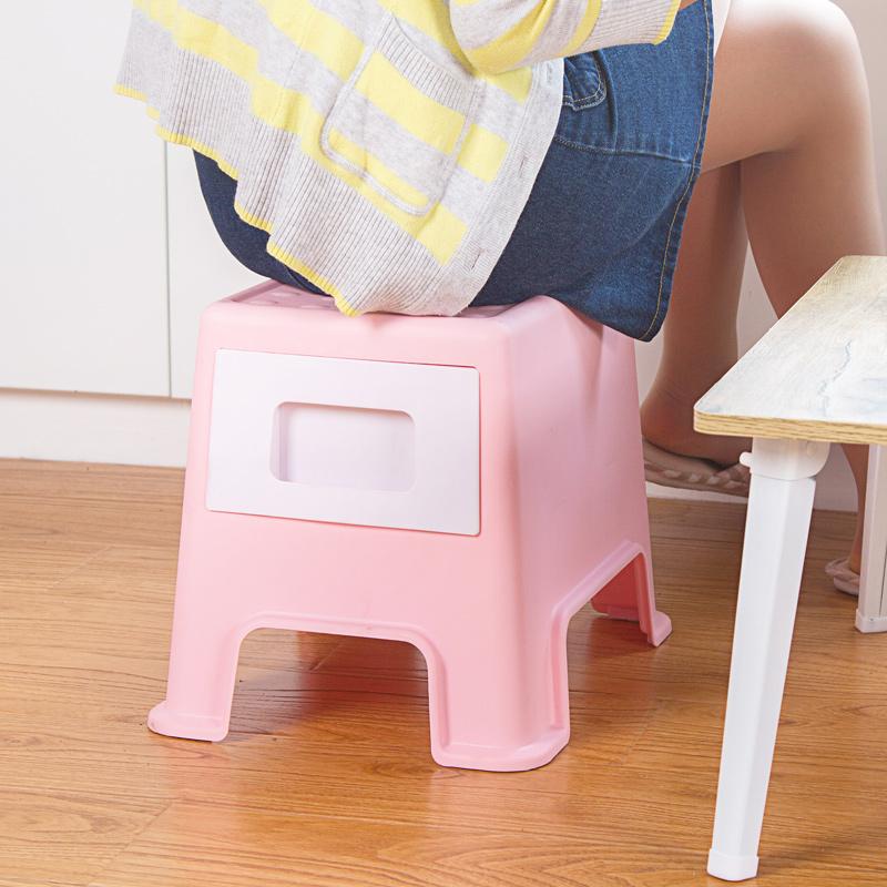 Taburete-de-Plastico-Cambiando-Sus-Zapatos-Pequeno-Banco-La-Gente-Puede-Se-Y7G7 miniatura 11