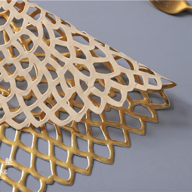 1X-4-Pcs-PVC-Sets-de-Table-Rond-Creux-ETanche-Non-Slip-Table-Tapis-IsoleS-P-H1G8 miniature 18