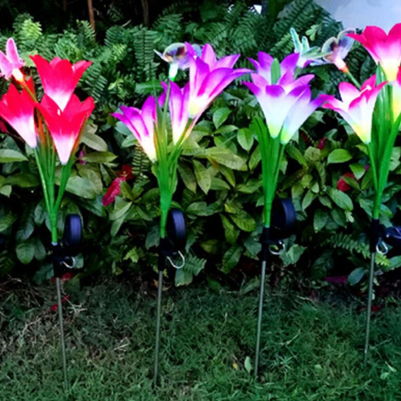 2-Pcs-Led-Solaire-Fleur-de-Lys-en-Plein-Air-Jardin-Jardin-Lampe-3-TeTe-Lily-K3P9 miniature 7