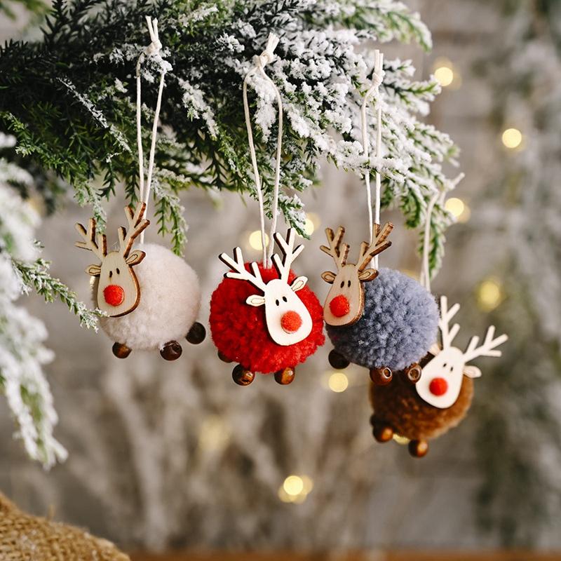 Indexbild 2 - 4-PACK-Niedlich-Filz-Holz-Elch-Weihnachts-Baum-Dekorationen-HaeNgen-AnhaeNger-U1C7