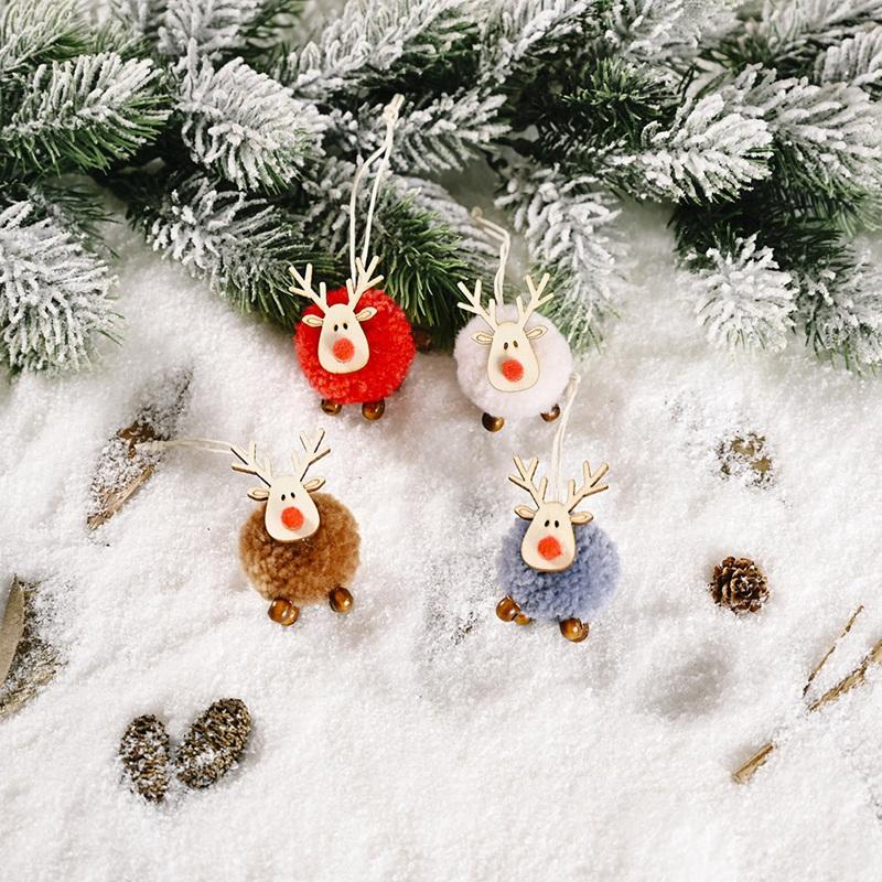Indexbild 5 - 4-PACK-Niedlich-Filz-Holz-Elch-Weihnachts-Baum-Dekorationen-HaeNgen-AnhaeNger-U1C7